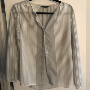 WHITE BUTTON UP STRIPED BLOUSE